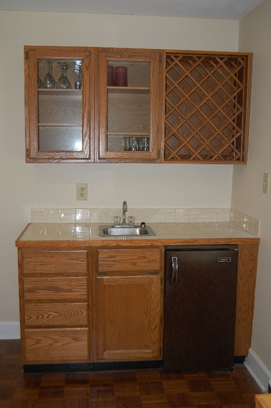 Additional photos for Office wet bar